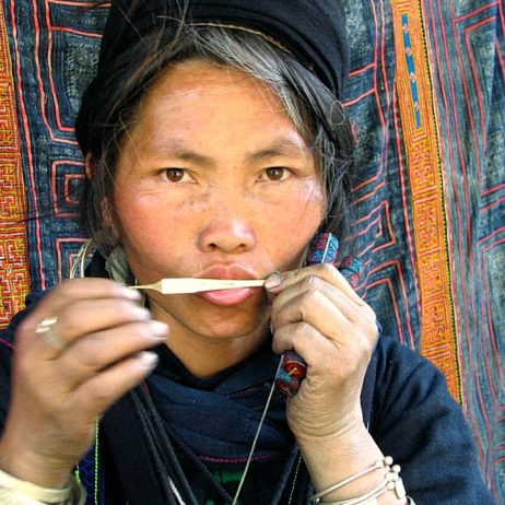 Discover Lao and Thailand and learn portrait and travel photography.